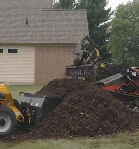 100+ Yards of Mulch Delivered and Spread [video]
